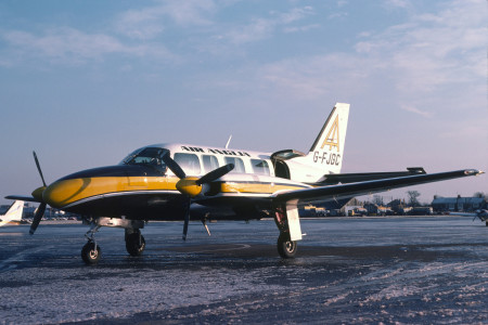 G FJGC Piper PA31 350 Navajo Chieftain Southend January 1979