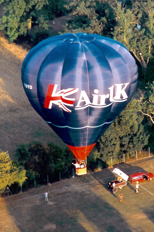 G BUYD Thunder AX8-90 Hot Air Balloon. Hethersett August 1995 Used by Anglia Balloons, Norfolk. Photo Keith Sowter.