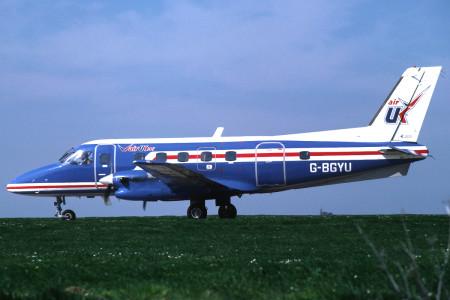 G BGYU EMB-110 P2 Bandeirante. Jersey April 1981