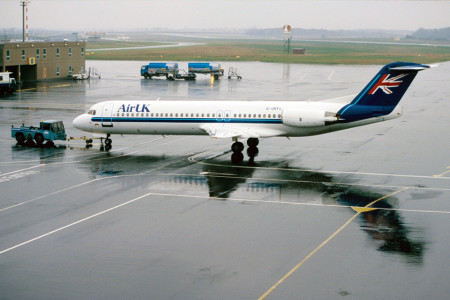 G UKFL Fokker F28 0100 Newcastle April 1999