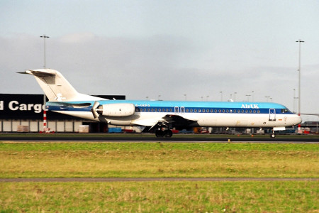 G UKFO Fokker F28 0100 Amsterdam Dec 1997