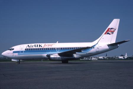 G BNZT Boeing 737 - 2E3ADV. Southend July 1988