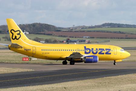 G BZZE Boeing 737 – 3Q8. Prestwick February 2004