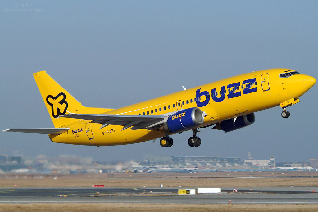 G BZZF Boeing 737 – 3Q8 Frankfurt February 2003 In the September of 2004 Ryanair decided to close the Buzz Stansted operation and flying ceased on 31st October 2004. Photo Sven Pipjorke.