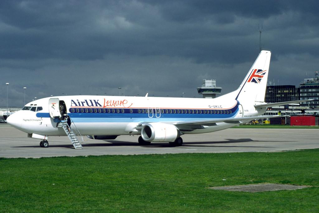G UKLC Boeing 737 – 42C. Manchester May 1991 Photo Richard Vandervord.