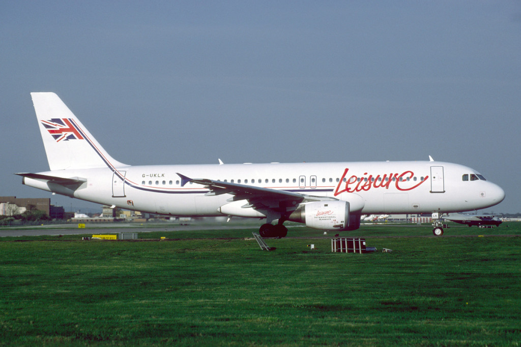 G UKLK Airbus A320 – 212. London Gatwick May 1996 Air UK Leisure ordered A320s to replace the 737 – 400. Later in 1996 Air UK Leisure was sold to Unijet and renamed Leisure International Airways. Photo Richard Vandervord.