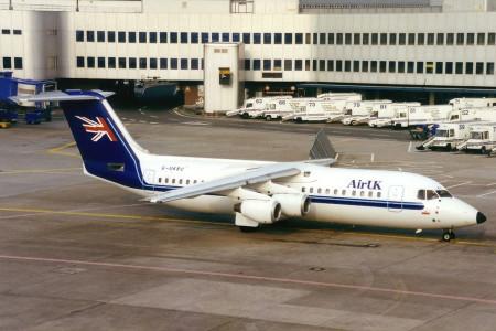 G UKRC BAe 146–300. Dusseldorf July 1996
